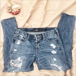 Hollister Straight leg ripped jeans. Size 5, w27